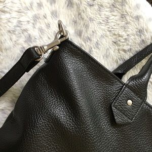 American Eagle Outfitters Bags - AEO Leather Crossbody Bag Made In Italy NWOT